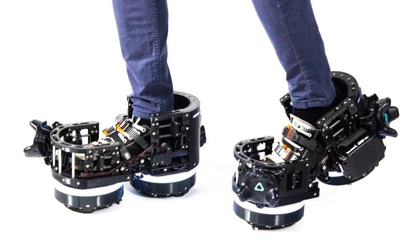 Передвижение в виртуальной реальности с помощью роботизированных ботинок