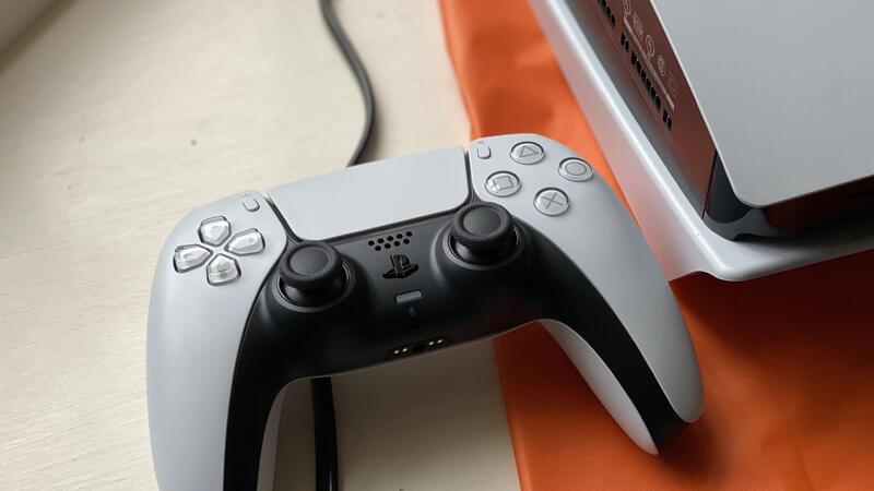 Steam добавил дополнительную поддержку геймпадов Xbox и PS5